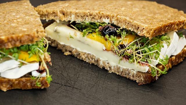 sandwich-890823_640
